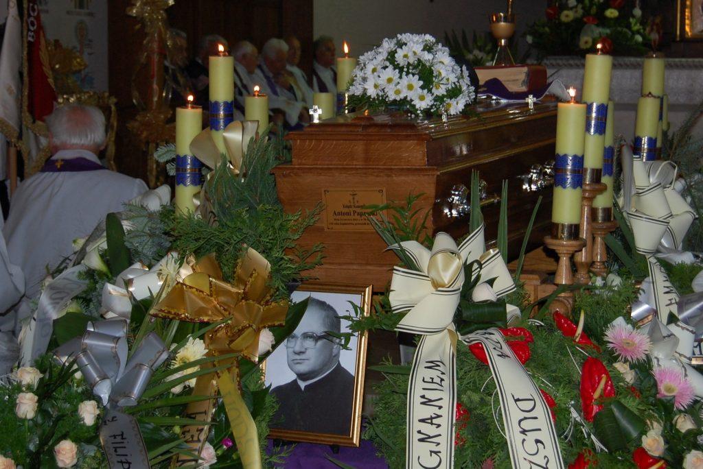 ks.paprocki_pogrzeb